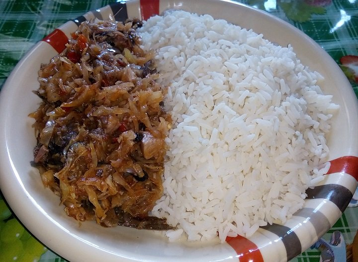 Cabbage Sauce With White Rice