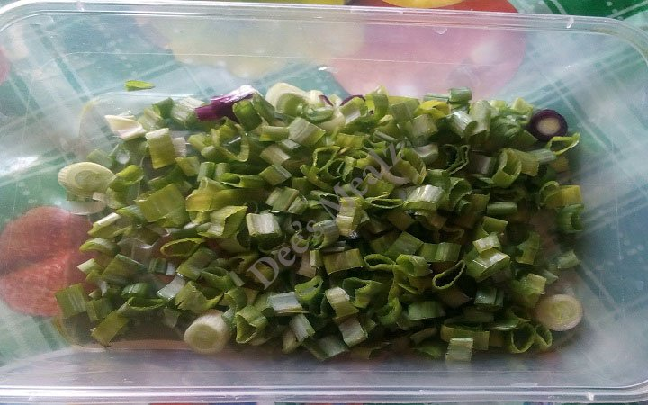 Chopped-spring-onion